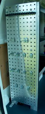 Værktøjsplade til inventaret i servicevognen