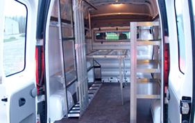 Arbejdsbord som tilbehør i glarmesterbilen